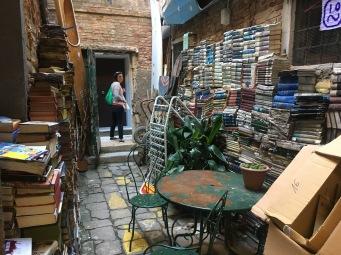 Aqua Alta bookshop